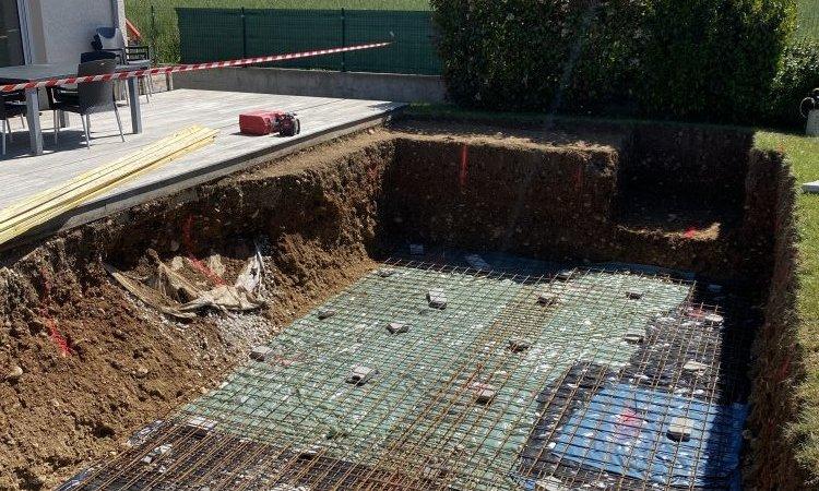 Terrassement d'une piscine sur mesure 7m x 3.50m à Saint-Hilaire-de-la-Côte